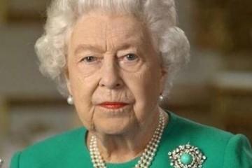 93岁英女王温莎录制讲演一身绿衣红唇好生机改戴手表太干练