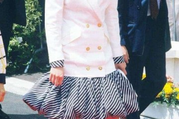 戴安娜穿和服太冷艳一脸振奋充溢新鲜感178身高瞬间出类拔萃